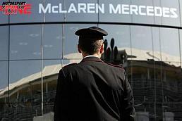 italian-police-outside-mclaren.jpg