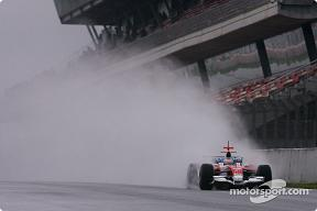 gloomy-track-conditions-at-barcelona.jpg