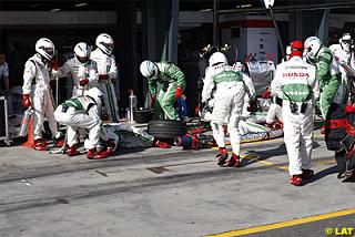 carnage-in-the-honda-pitbox.jpg